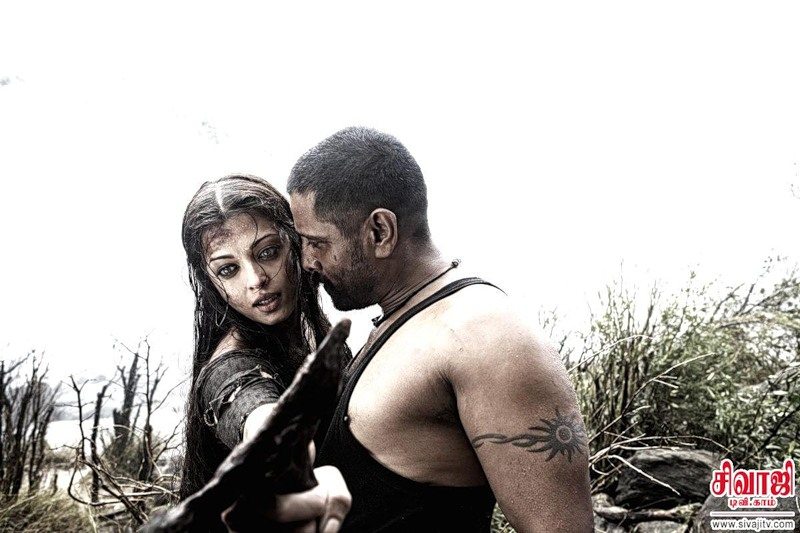 Aishwarya Rai in in the film Raavanan (2010)