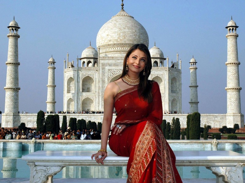 Aishwarya Rai in red Saree. Photo