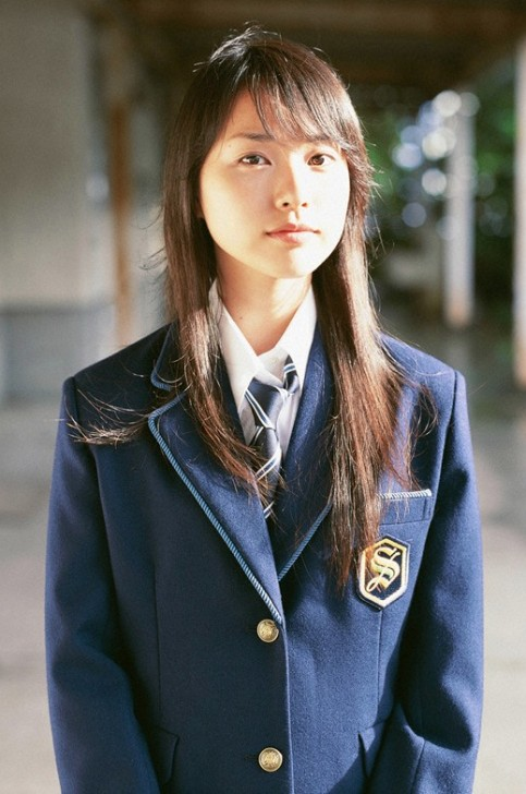 japanese girl in school uniform Erika Toda. photo / 戸田 恵梨香