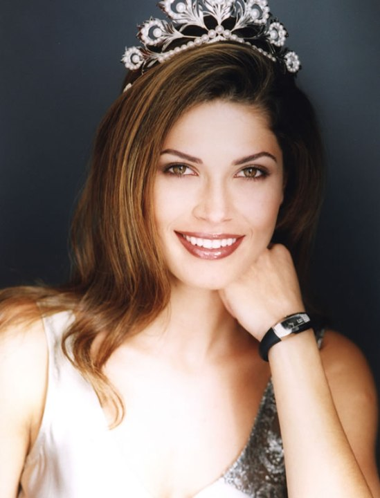 Justine Pasek (Panama) - Miss Universe 2002. Photo
