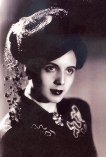 the most beautiful Argentine girls: María Eva Duarte de Perón / Evita