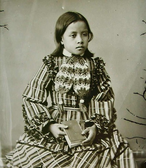 beautiful Young Maori girl photo