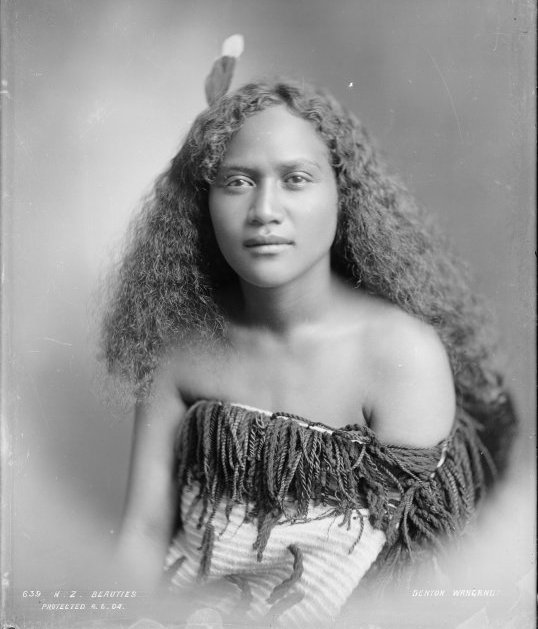 maori maid photo