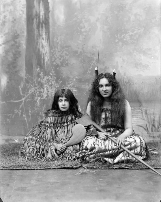 beautiful Maori girls photo
