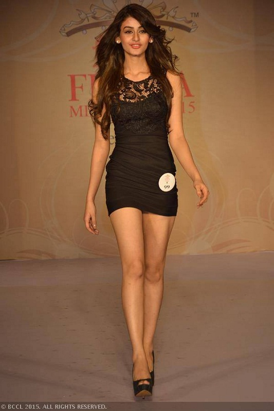 Aditi Arya Miss India World 2015 feet