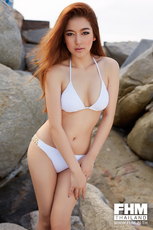 hot thai girl Chanya Tamada in bikini