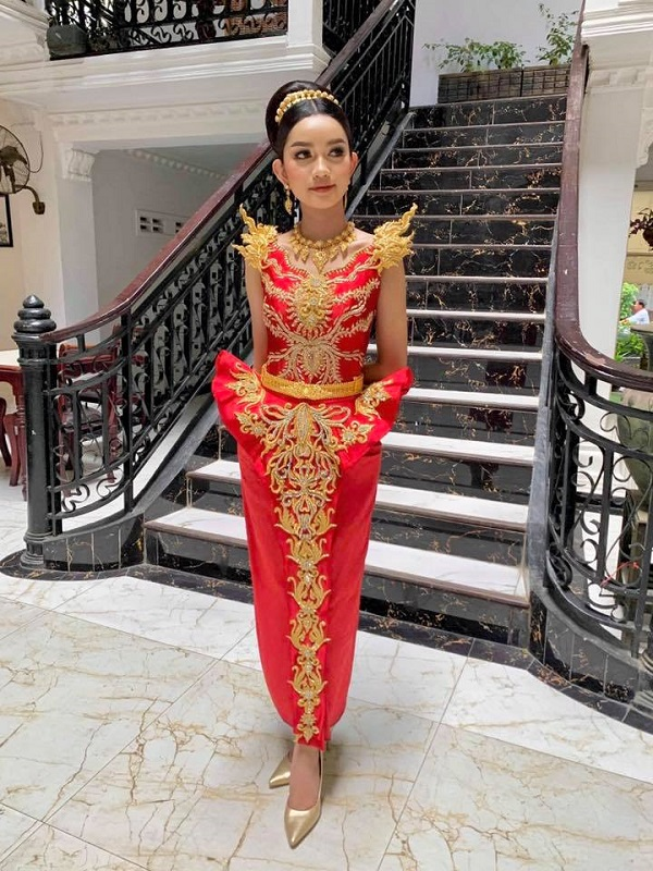 Khmer girl in national costume