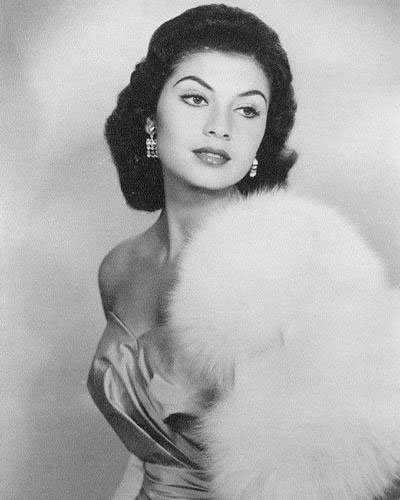 Gladys Zender (Peru) - Miss Universe 1957. photo