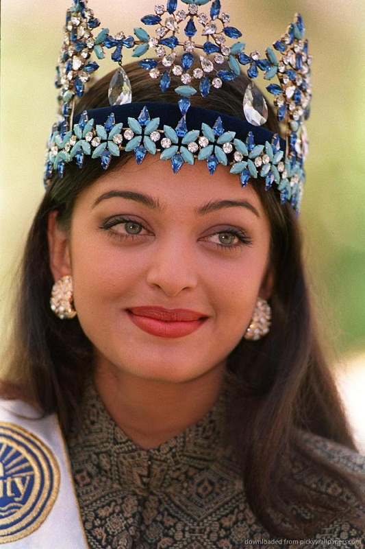 Aishwarya Rai at Miss World 1994 pictures