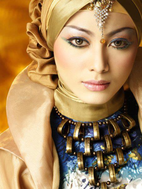 Indonesian model Whulandary Herman photo