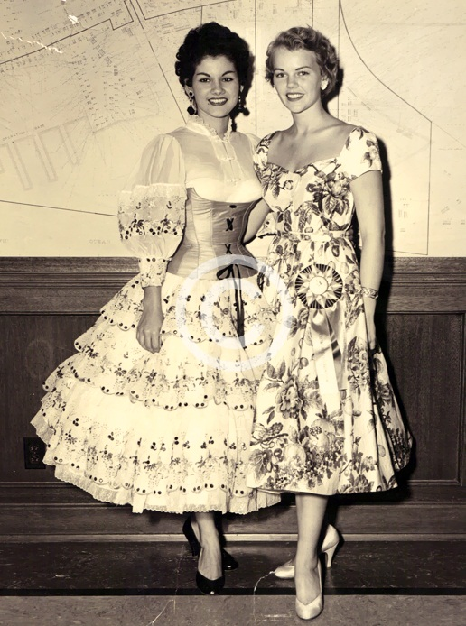 Carlene King Johnson (Miss USA 1955) and Carmen Laura Betancourt (Miss Puerto Rico 1955) photo