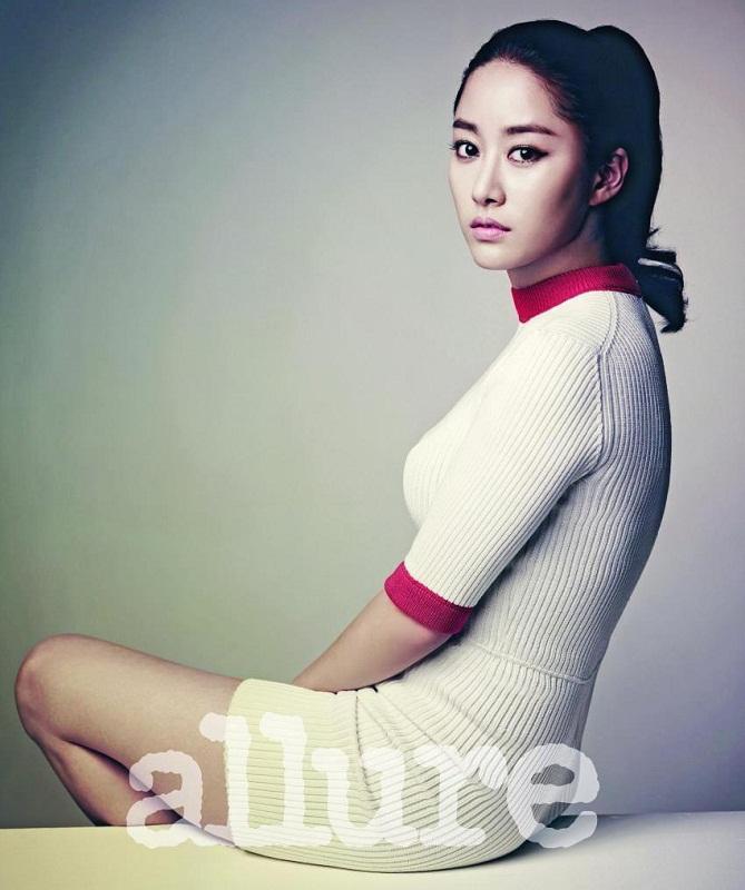 beautiful Korean woman Jun Hye Bin / 전혜빈 picture