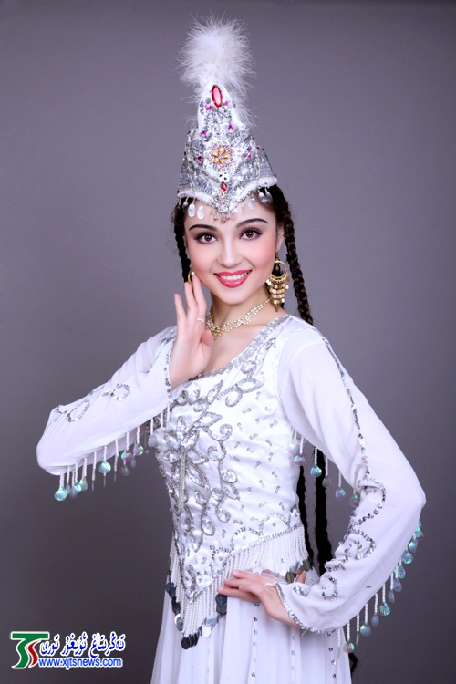 Mahire Emet The Most Beautiful Uyghur Girl photo