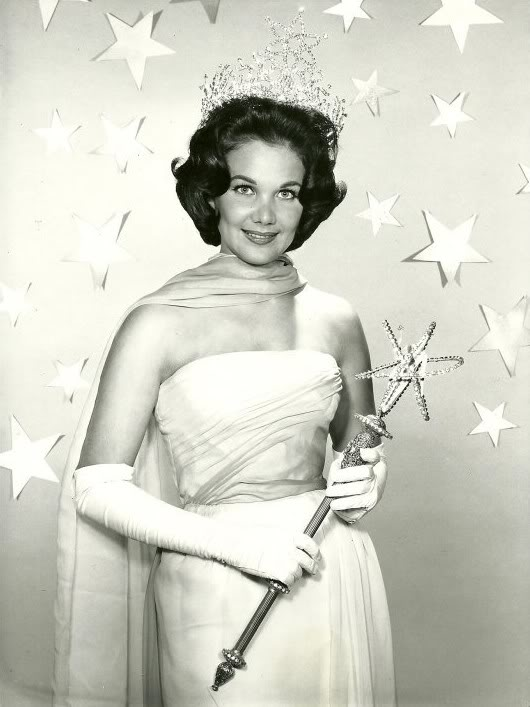 Linda Jeanne Bement (Utah) Miss USA 1960 and Miss Universe 1960 photo
