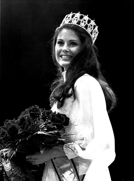 Barbara Elaine Peterson (Minnesota) Miss USA 1976