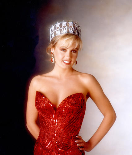 Kelli McCarty (Kansas) Miss USA 1991