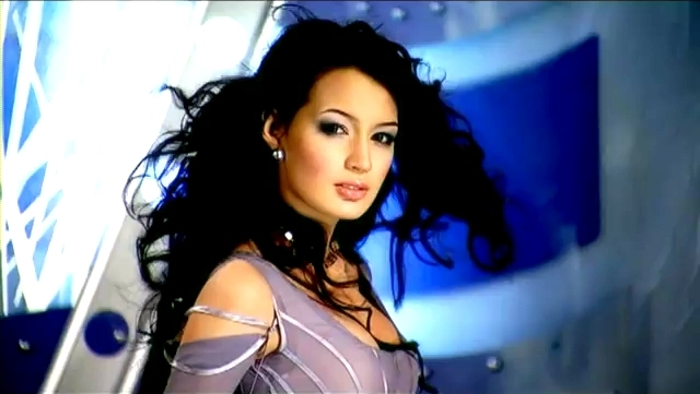Zarina Altynbaeva Uyghur singer from Kazakhstan. photo