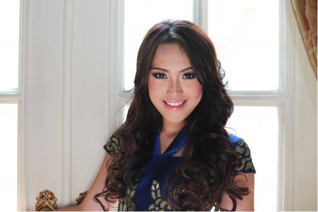 Vania Larissa Miss Indonesia World 2013 photo