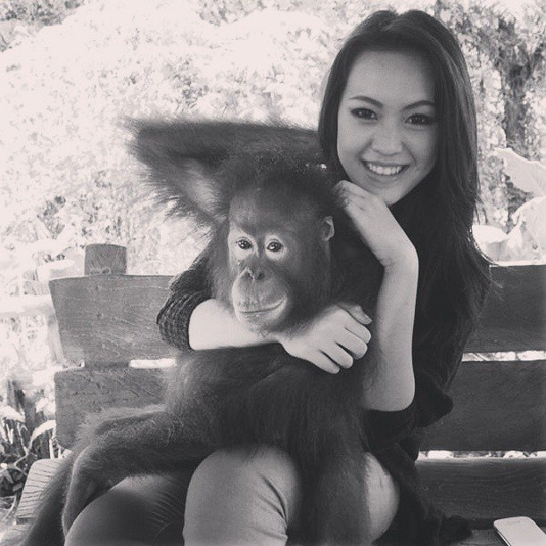 Vania Larissa and monkey photo