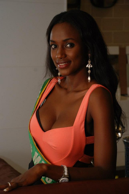 hot Guinean girl Mariama Diallo photo