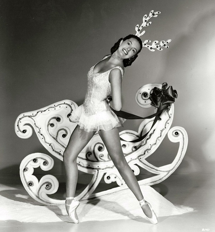 Cyd Charisse Christmas photo