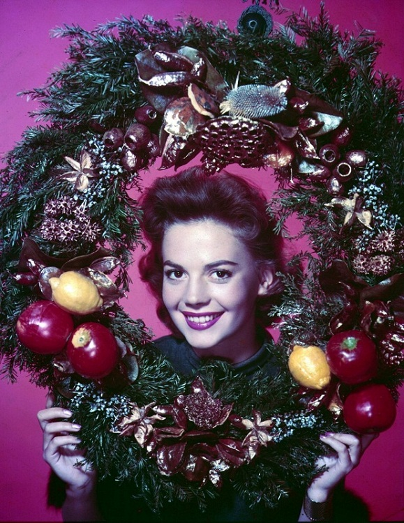 Natalie Wood Christmas photo