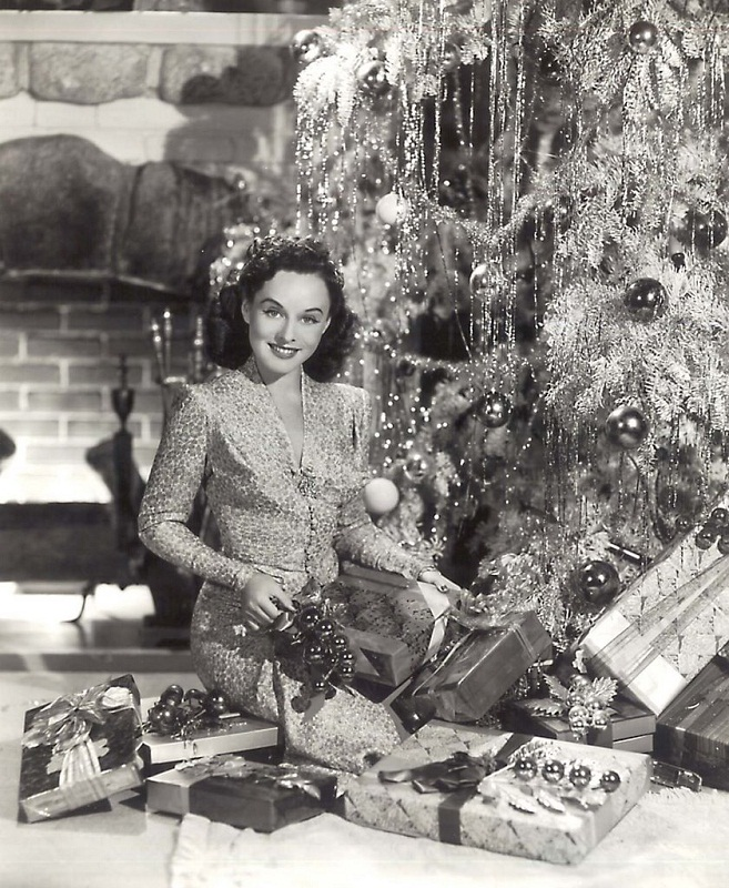 Paulette Goddard Christmas photo