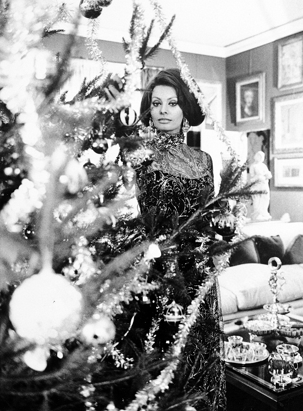 Sophia Loren Christmas photo