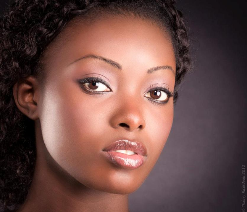 beautiful Gabonese woman