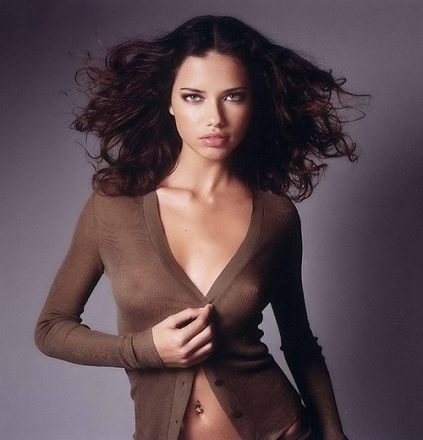 hot brazilian woman Adriana Lima picture