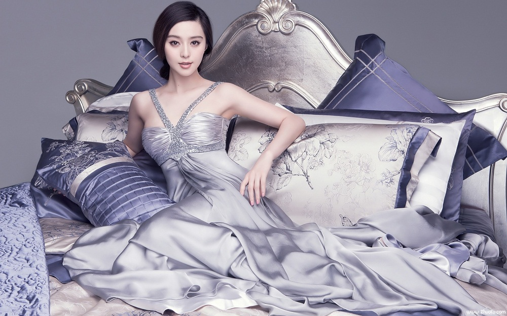 Fan Bingbing / 范冰冰 photo shoot in a bed