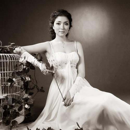 Portrait Of Beautiful Vietnamese Girl High-Res Stock Photo